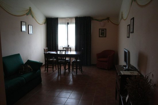 Hotel Residence San Gregorio: salotto