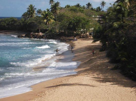 Punta Higuera Light House: Surfers