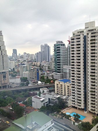 Rembrandt Hotel Bangkok: View from Room