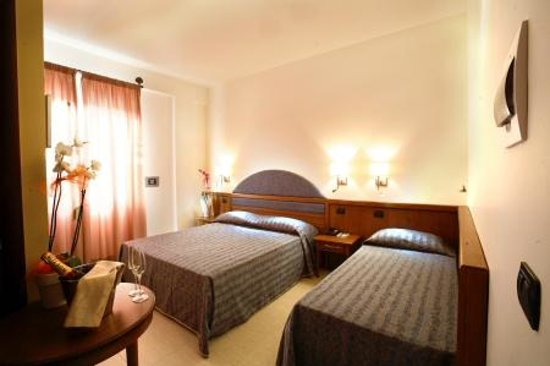 Hotel Posidonia : camera tripla
