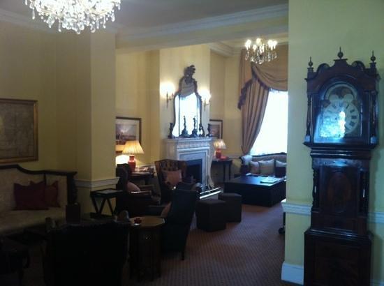 Commodore Hotel Resmi
