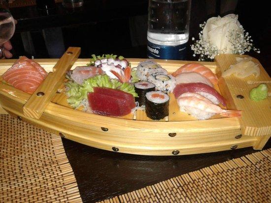 """Yuan Restaurant: la """"barca"""""""
