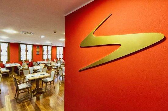 El logo fotograf a de el comedor cangas de on s for Comedor logo