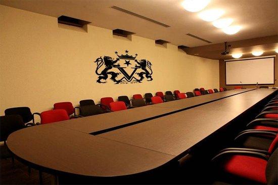 Hotel Victoria: The conferenc room