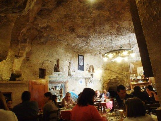 Ristorante La Grotta: sala principale