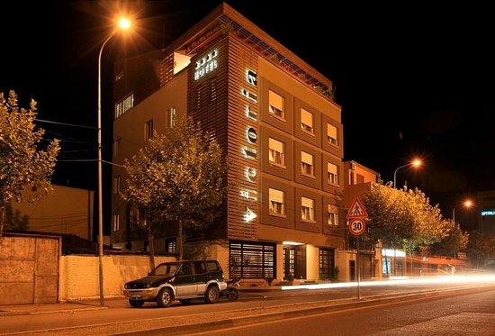 Photo of Hotel Victoria Tirana