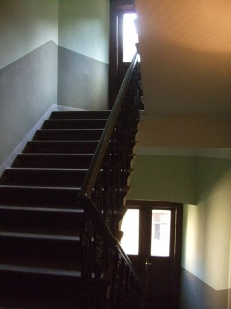 Hotel Mala Strana: Stairs