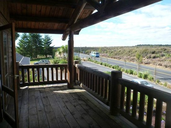 Mountain Heights Lodge: highway 4