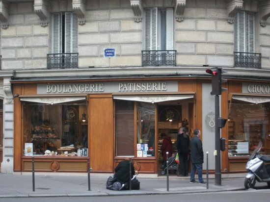 Residhotel Imperial Rennequin: Local boulangerie, their croissants are yum!