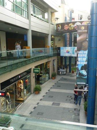 Intérieur de Bay Street - Picture of Bay Street Shopping Centre ... c578a63b5c3