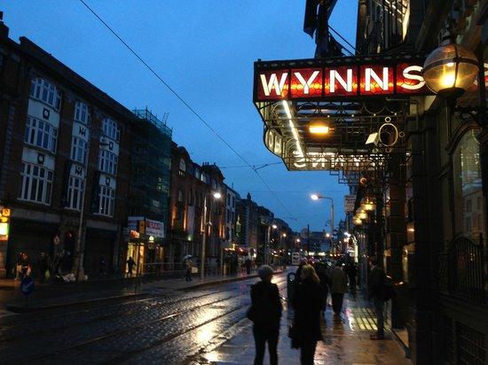 Wynn's Hotel: Hotel da fuori