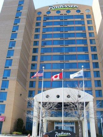 Radisson Suite Hotel Toronto Airport: Hotel