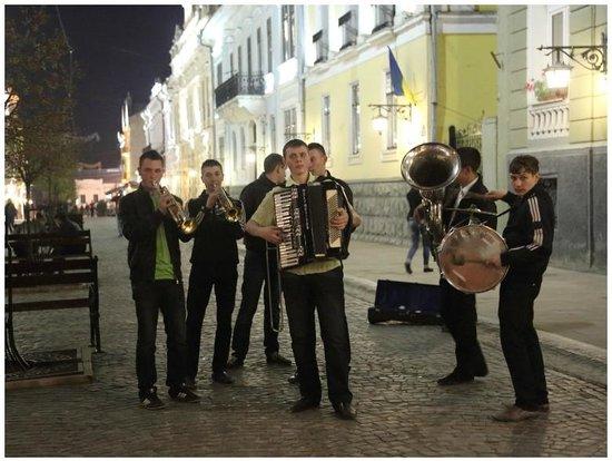 Olha Kobylyahska Street : VIDEO: