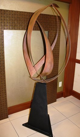 Hampton Inn and Suites Indianapolis - Fishers: Sculpture near one of the Meeting Rooms
