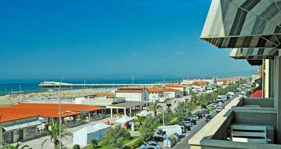 Hotel Biagi: Bella la vista sul mare