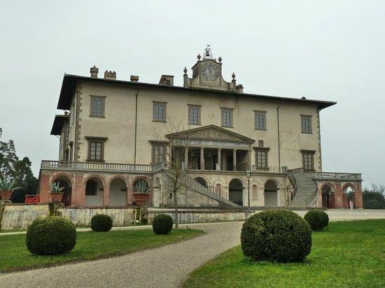 Prato, Italia: esterno Villa