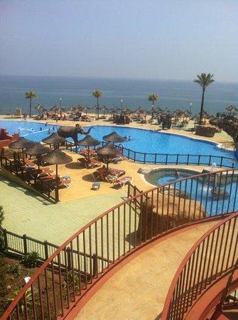 Holiday Village: beach club
