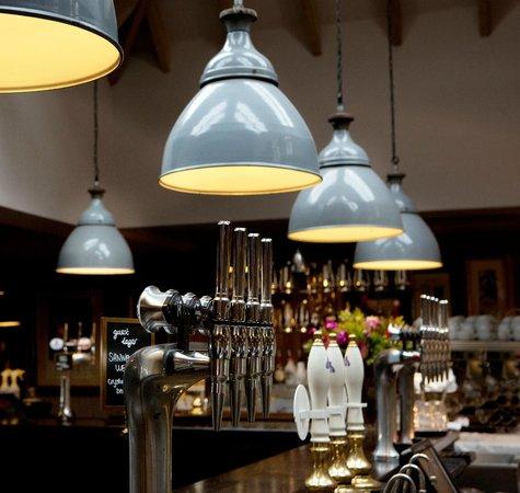 Lion Inn: Bar