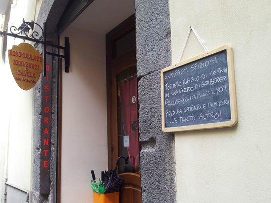 Benvenuti a Tavola: Ingresso e locandina