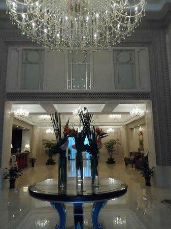 Fenyang Garden Boutique Hotel: 玄関を入ってすぐのロビー
