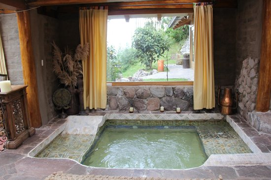 Hacienda Rumiloma: The Presidential Suite's custom made hot tub