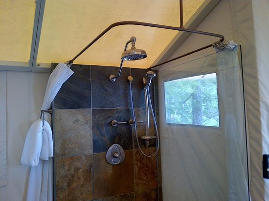 Rockwater Secret Cove Resort: Shower in the Tent Suite, so great