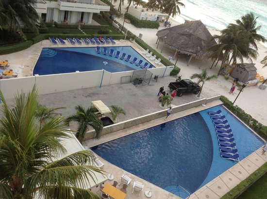 Ixchel Beach Hotel: View from our room