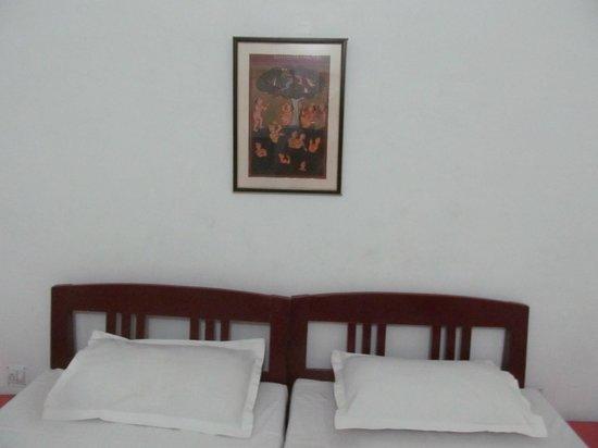 Bhanwar Vilas Guest House: Bed