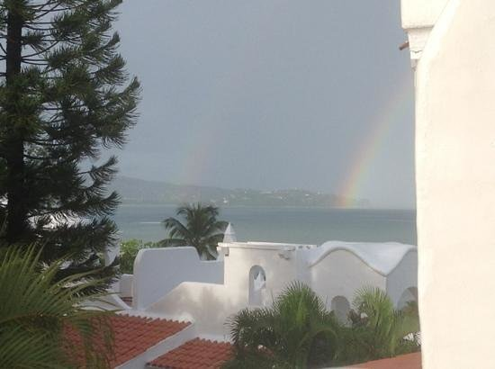 Windjammer Landing Villa Beach Resort : double rainbow