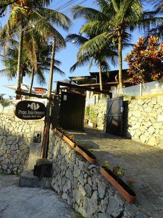 Pousada Praia Joao Fernandes: Entrada de la pousada