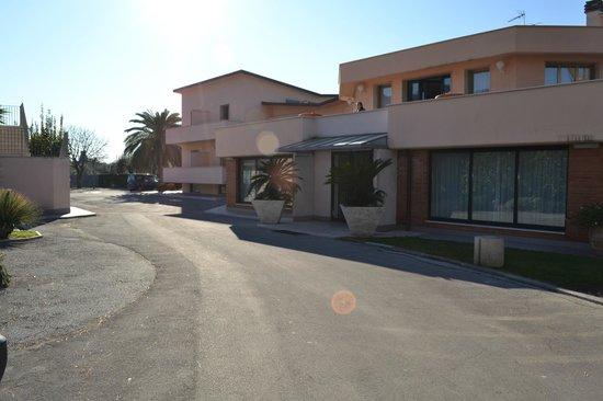 Hotel da Filie': L'hotel - ingresso e parcheggio