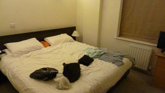 Citadines St Mark's-Islington London: master bedroom