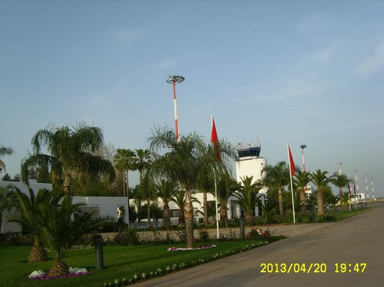 Dar Dalila: Fes airport