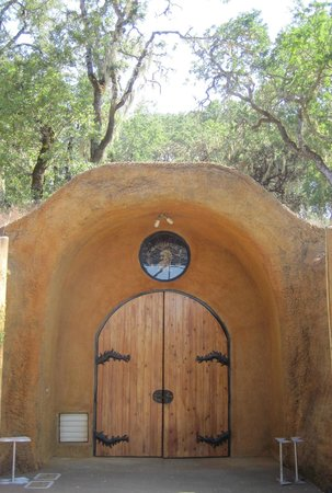 Lancaster Estate Winery: Entrance to the cave