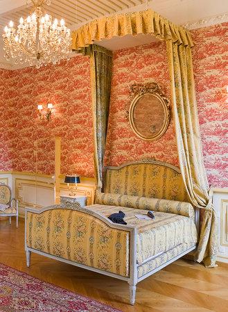 Chateau de picomtal crots frankrig pensionat for Chambre louis xvi