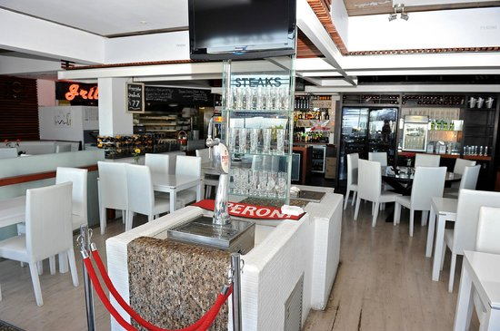 Ghillies Grill at Peroni Cafe: trendy