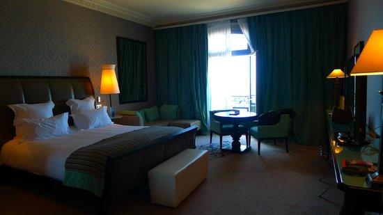 Lustre hall d 39 entr e h tel photo de le grand hotel for Chambre 414 grand hotel cabourg