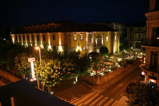 Hotel Don Paco noche