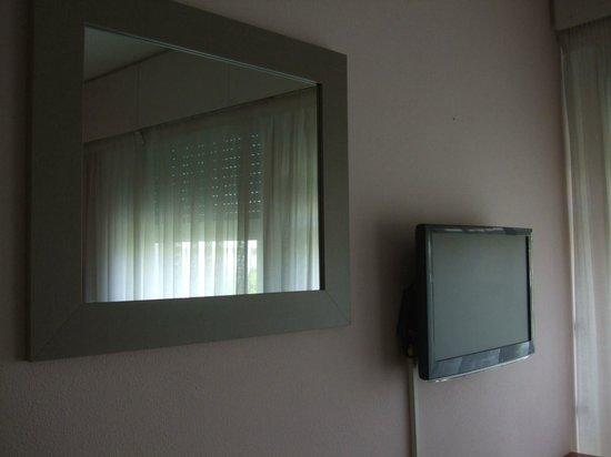 Residencia Fornos: TV