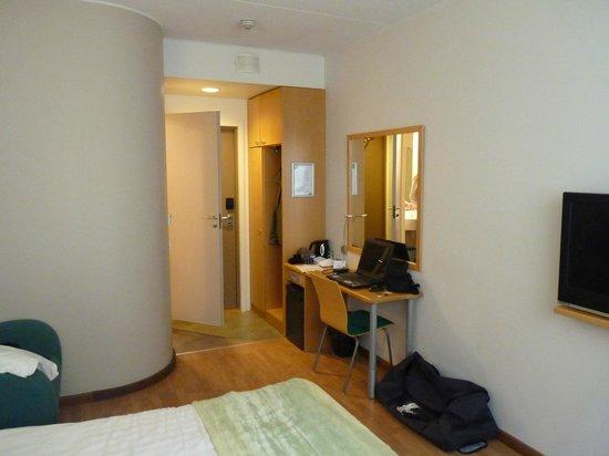 Greenstar Hotel: chambre