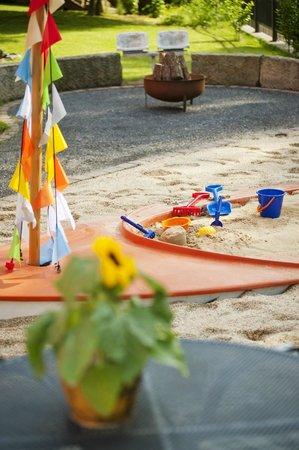 Residenz Am Schloss: Piratenschiff-Sandkasten für Ihre Kinder