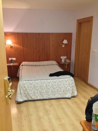 Hotel Hispania: Room 128