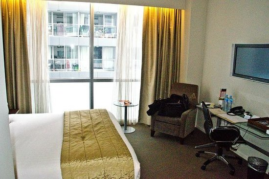 Rydges Auckland: Views from our FIRST room
