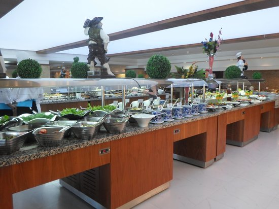 Crystal Flora Beach Resort: Buffet