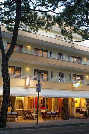 Hotel Suez: Esterno