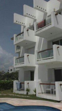Tanik Condominiums: Tamil Condo