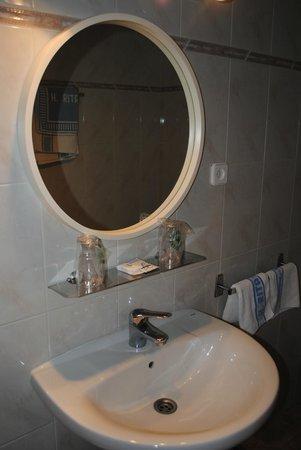 Fonda Rita: Baño