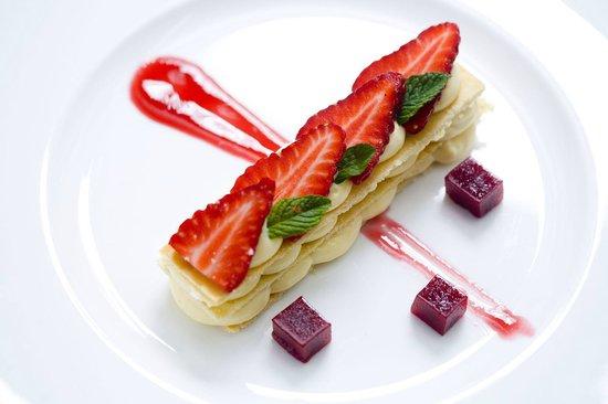 Zinfandel's Restaurant: Esplanade Zagreb Hotel Zinfandel's a la carte Menu