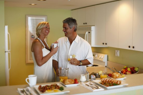 Lovers Key Resort: The kitchens are convenient and graciously appointed.