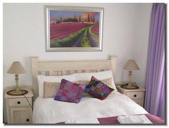 Alfa Tours, Shuttles & Accommodation: Lavender Cottage